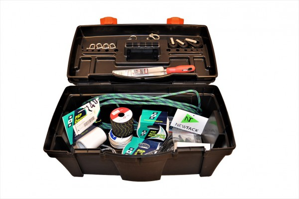 Werkzeugkiste mit Ersatzteilen für 420er